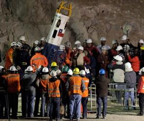 Chile, rescate de mineros. AFP PHOTO/ Rodrigo ARANGUA
