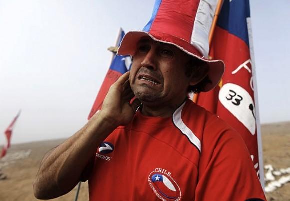 Los 33 mineros en Chile serían rescatados este martes