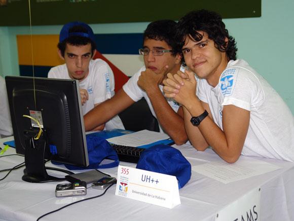 Equipo Ganador de la Medalla de Plata, de la Universidad de La Habana