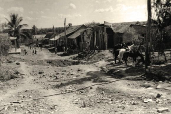 Huellas del bombardeo al poblado de Maffo.