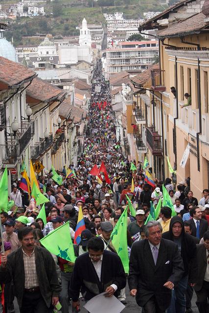 El pueblo se dirige al Palacio de Gobierno. Foto: Prensa de la Presidencia de la República de Ecuador