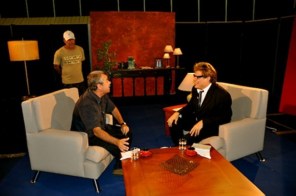 """Carlos Alberto Cremata y Amaury Pérez en """"Con 2 que se quieran"""". Foto: Petí"""