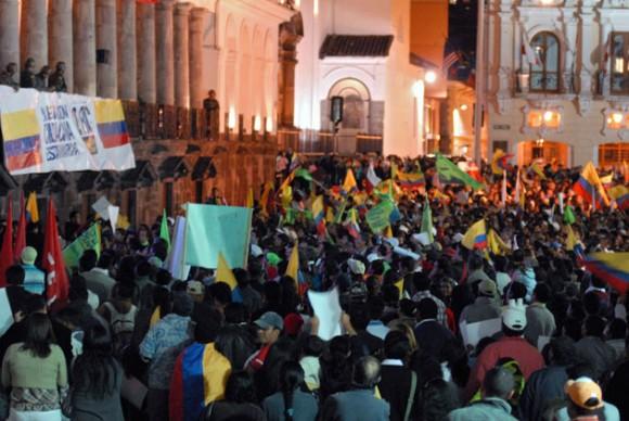 Frente al Palacio de Gobierno. Foto: Prensa presidencial de Ecuador