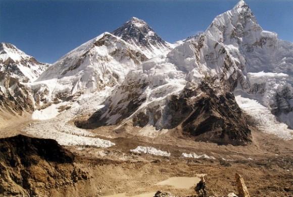 El Everest visto desde 5545m, en la región Khumbu, en Nepal (twiga269/flickr)