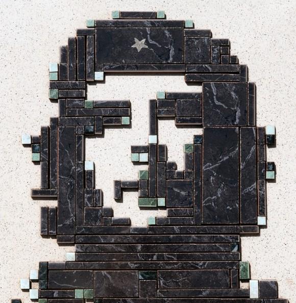 Emilio Valdés: Trinchera. Cerámica esmaltada, 40 x 40 cm, 2010