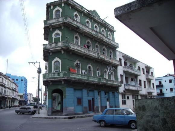 Vista del edificio Josefina, en cuya planta baja estuvo enclavado el Celeste