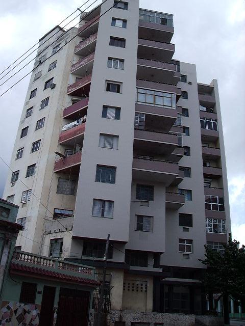 En el 9º piso de este edificio Ela O'Farrill compuso la canción Freddy