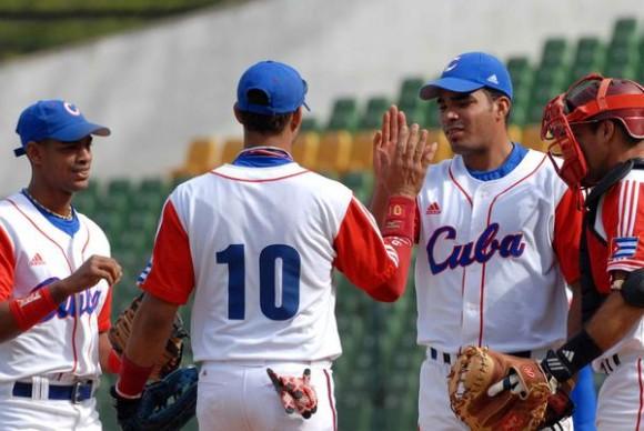 Dalier Hinojosa (CD), tiró juego perfecto ante la selección de Hong Kong, en la XVII Copa Intercontinental de Béisbol, en el estadio Intercontinental en Taichung, Taipei de China, el 27 de octubre de 2010. AIN FOTO/Marcelino VAZQUEZ HERNANDEZ