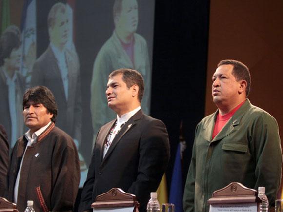 Evo Morales (Presidente de Bolivia), Rafael Correa (Presidente de Ecuador) y Hugo Chávez (Presidente de Venezuela)