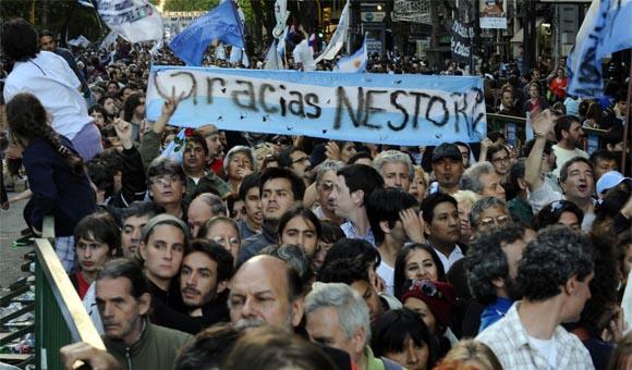 multitud-argentina