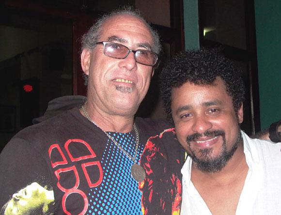 """Polito y Santana realizador del vídeo clip """"Papeles"""" que promociona el disco """"Sombras amarillas"""". Foto: Marianela Dufflar"""