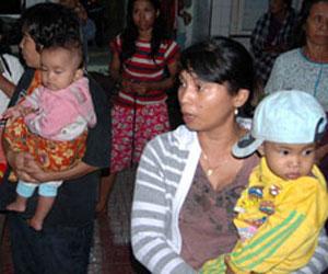 Indonesia: miles de personas permanecen refugiadas tras terremoto y tsunami