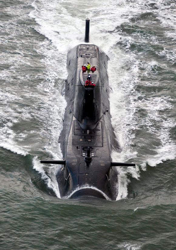 Foto: Fotografía cedida por la Marina Real británica tomada el 20 de noviembre de 2009 que muestra al submarino HMS Astute en el estuario de Clyde en Escocia (Reino Unido). El submarino ha quedado varado al este de Escocia según ha confirmado el Ministerio de Defensa hoy, viernes, 22 de octubre de 2010. EFE/J Massey.