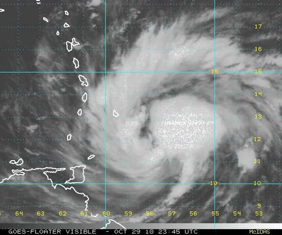 Imagen visible del satélite, Tormenta Tropical Tomas (NOAA)