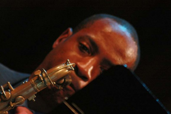 Wynton Marsalis regaló, junto a la Jazz at Lincoln Center Orchestra (JLCO) de Nueva York, una noche mágica a los que abarrotaron el céntrico teatro habanero Mella. Foto: 10K