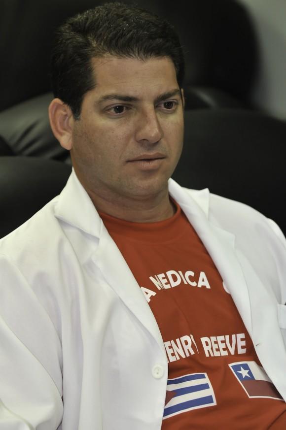El doctor Carlos Pérez Díaz fue el jefe de la brigada cubana en Rancagua. Foto: Roberto Chile