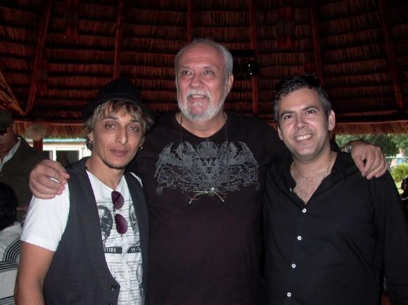 Jorge Luis Robaina líder vocal de Karamba, Tony Pinielli y Oni Acosta