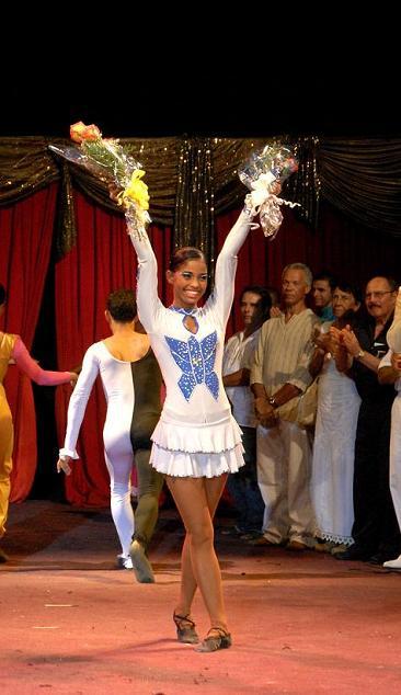 Al recibir el premio de la popularidad y primer lugar en Circuba 2009