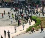 Foto de los disturbios que han tenido lugar hoy en las calles de la ciudad de El Aaiún tras el desmantelamiento por parte de las fuerzas del orden del campamento de protesta saharaui de Gdaim Izik, - Foto: Efe
