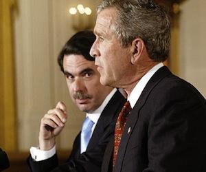 Aznar y Bush, en la Casa Blanca en 2003. Foto: Luke FRAZZA / afp