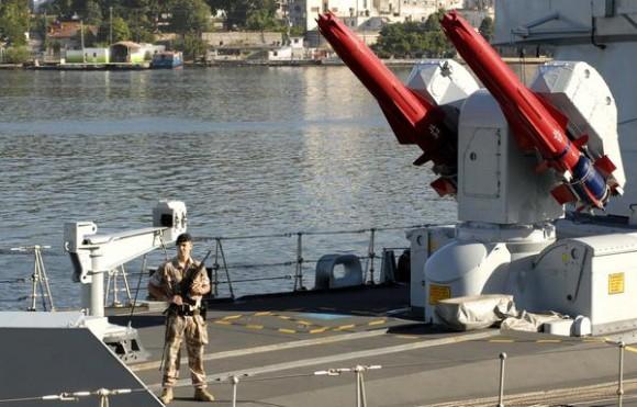 """Detalle del Buque de la Armada Inglesa """"Manchester"""", a su arribo al puerto de La Habana, Cuba, el 15 de noviembre de 2010.  AIN FOTO/Omara GARCIA MEDEROS"""