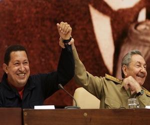 Raúl y Chávez en La Habana el 9 de noviembre de 2010. Foto: Roberto Chile.