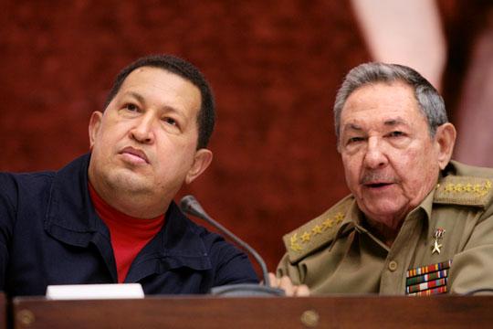 Raúl y Chávez en el Palacio de las Convenciones. Foto: Prensa Presidencial Venezuela