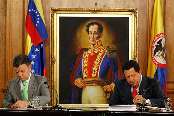 Juan Manuel Santos y Hugo Chávez firman acuerdos entre Colombia y Venezuela