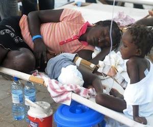 El cólera se sigue expandiendo por Haití, la cólera de sus habitantes también
