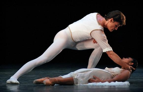 """""""Siete sonatas"""". El American Ballet Theatre (ABT), compañía de Estados Unidos, invitada al XXII Festival Internacional de Ballet de la Habana, teatro Karl Marx. FOTO: Raúl Pupo."""