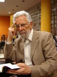 Entre los invitados, el filósofo argentino Enrique Dussel.
