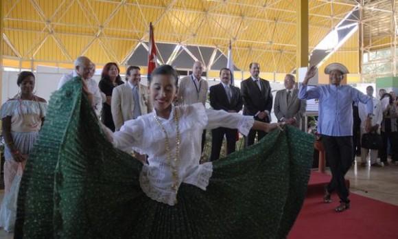 Momento cultural, durante la inauguración del pabellón panameño en la XXVIII Feria Internacional de La Habana (FIHAV 2010), en el recinto ferial de EXPOCUBA, en La Habana, el 01 de noviembre de 2010.  AIN FOTO/Omara GARCIA MEDEROS