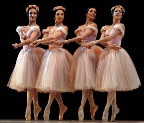 Presentación de «Grand pas de quatre» en el Gran Teatro de La Habana, el 7 de noviembre de 2010, durante la Gala de clausura del 22 Festival Internacional de Ballet.  AIN  FOTO/Roberto MOREJON RODRIGUEZ