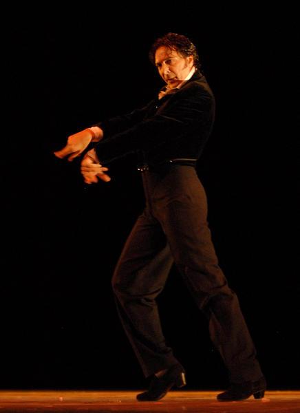 Presentación de  « Doble sentir» por Antonio el Pipa en el Gran Teatro de La Habana, el 7 de noviembre de 2010, durante la Gala de clausura del 22 Festival Internacional de Ballet. AIN  FOTO/Roberto MOREJON RODRIGUEZ