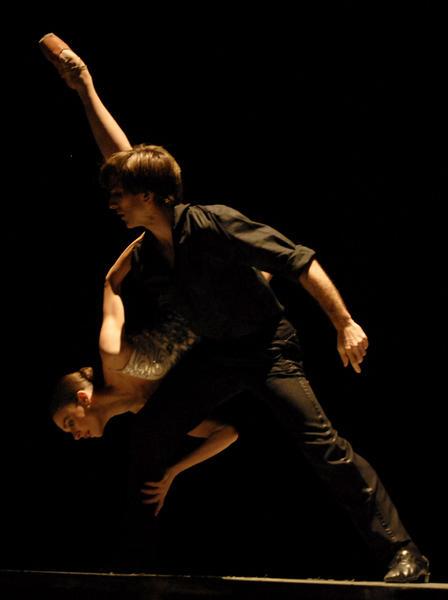 Presentación de «Encuentro», con Nadia Muzyca y Juan Pablo Ledo del Ballet Estable del Teatro de Colón,  en el Gran Teatro de La Habana, el 7 de noviembre de 2010, durante la Gala de clausura del 22 Festival Internacional de Ballet. AIN  FOTO/Roberto MOREJON RODRIGUEZ