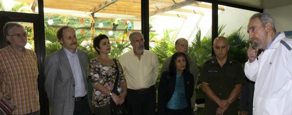 Fidel con los intelectuales hispanoamericanos. Foto: Roberto Chile