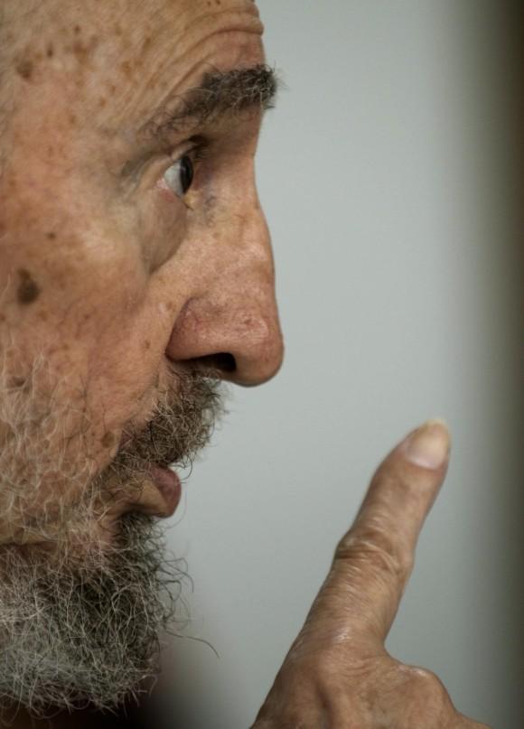 Fidel con intelectuales hispanoamericanos. Foto: Roberto Chile