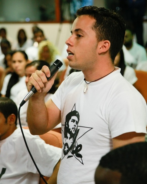 Fidel Mensaje a los estudiantes. Foto: Alex Castro