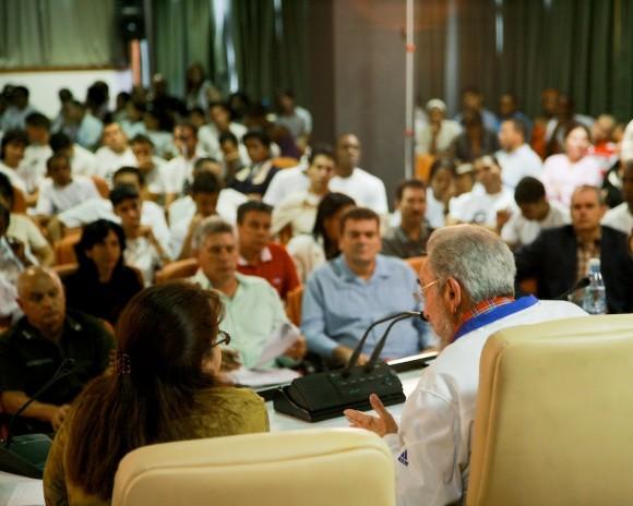 Encuentro de Fidel con los estudiantes universitarios. Foto: Alex Castro
