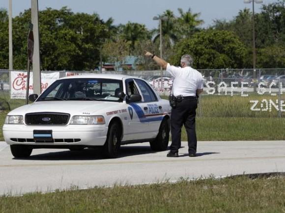 Tensión en  la Florida por amenaza terrorista contra las escuelas. Foto: AP