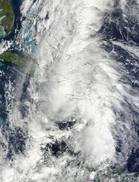 El huracán Tomas durante el paso por Haiti. Foto: Twitter