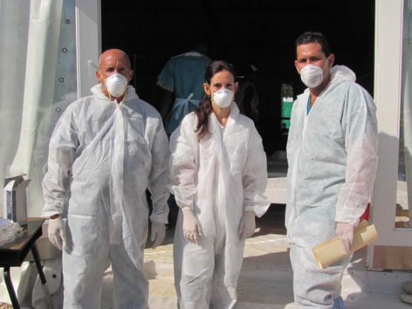 Médicos cubanos contra el cólera. Foto: Liurka Rodríguez