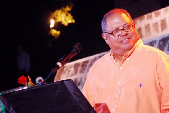 Concierto de Pablo Milanés, en la Plaza de la Revolución Mayor General Vicente Gracía, en la Oriental provincia de Las Tunas, Cuba, el 15 de noviembre de 2010. AIN FOTO/ Yaciel PEÑA DE LA PEÑA