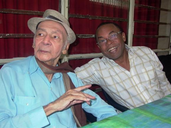 Adalberto Álvarez y Luis Carbonell al dar a conocer el Premio Nacional de la Música 2010. Foto Marianela Dufflar