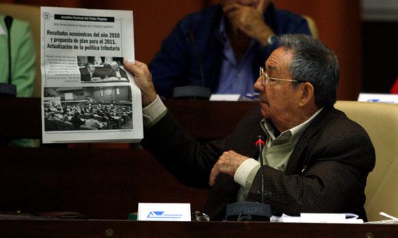 Raúl castro en la Sesión del Parlamento Cubano, Diciembre 2010. AIN Foto: Ismael Francisco GONZÁLEZ