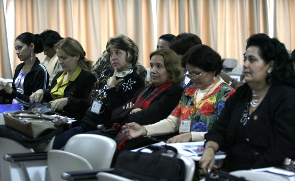 Reunion de Comisiones del 6to Periodo Ordinario de Sesines, de la Septima Legislatura de la Asmblea Naiconal del Poder Popular de Cuba. palacio de Convenciones, La Habana, Cuba. PL/foto Ismael Francisco.