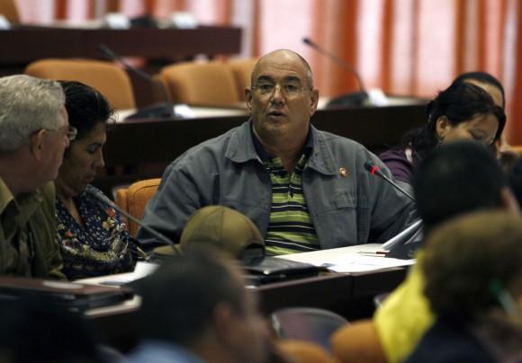 Roberto Verrier, presidente de la (ANEC) interviene en Reunion de Comisiones del 6to Periodo Ordinario de Sesines, de la Septima Legislatura de la Asmblea Naiconal del Poder Popular de Cuba. palacio de Convenciones, La Habana, Cuba. PL/foto Ismael Francisco.