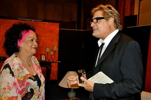"""Aurora Basnuevo y Amaury en """"Con 2 que se quieran"""". Foto: Peti"""