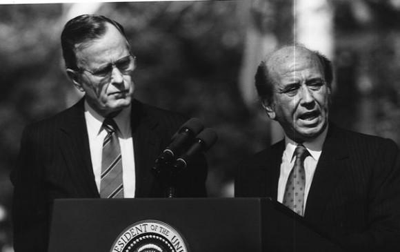 Carlos Andrés Pérez y George Bush.