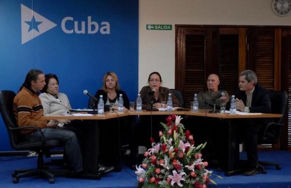 Destacados panelistas participaron en la Video Conferencia Cuba-España sobre los Derechos Humanos, que reunió en la sede del Ministerio de Relaciones Exteriores de Cuba a expertos, periodistas, intelectuales y familiares de los cinco luchadores contra el terrorismo prisioneros en Estados Unidos, el 10 de diciembre de 2010.   AIN  FOTO/Omara GARCIA MEDEROS/are